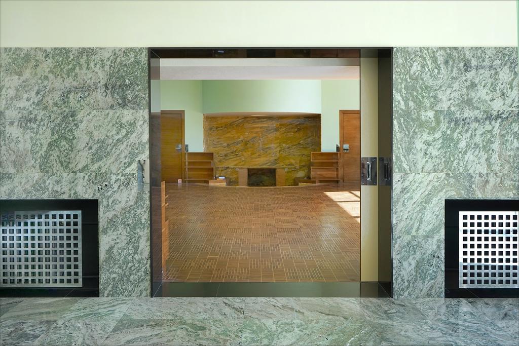 Les portes coulissantes ont plusieurs avantages. Elles offrent notamment un look moderne à une pièce.